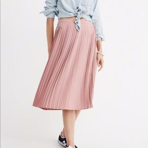 Abercrombie & Fitch Pleated Midi Skirt